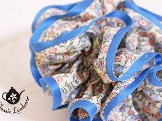 リバティ 小花がキュートなセランダイン(B) シュシュの画像