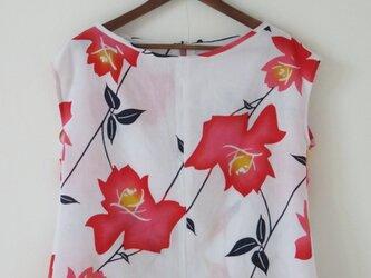 白地大判花柄浴衣のバックリボンフレンチの画像