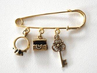 指輪、宝石箱、鍵ピューターチャーム*ストールピンの画像