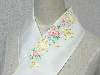 手刺繍半襟*パステル・フラワーの画像