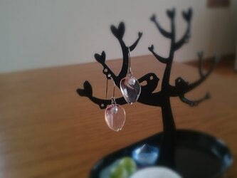 花びらピアス ホムポムの画像