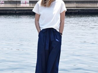 simple white T shirtの画像