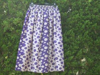 なでしこ柄スカートの画像