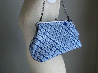 着物に似合う絞りのがま口バッグ(青)の画像