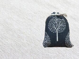 森のサシェ S ヒノキの香り ダークネイビーの画像