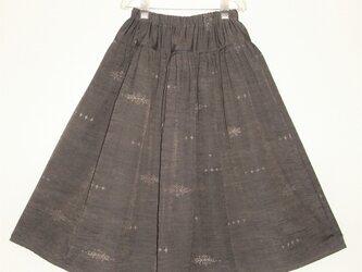 【値下げしました】着物リメイク グレーがかったパープルの紬・プリーツスカートの画像