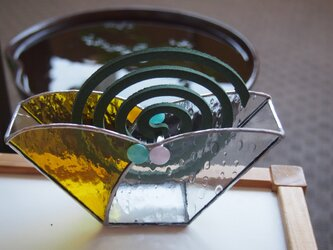 ステンドグラスの蚊取り線香ホルダーの画像