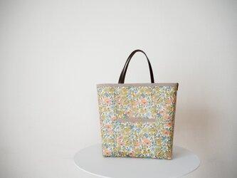 リバティ ラミネートフロントポケットバッグ 「Poppy&Daisy」の画像