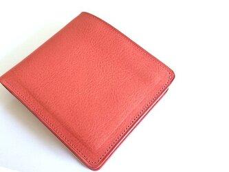革色がピンク系統の男性用二つ折り財布の画像