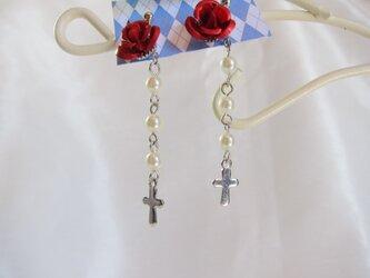 バラと十字架のピアス【送料無料】の画像