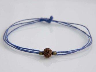 ルドラクシャとメタルのヘンプブレスレット(青色)の画像