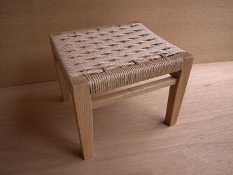 座編みスツール001の画像