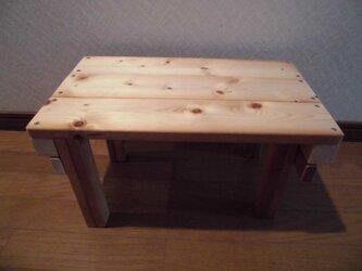 木製の折り畳みテーブルの画像
