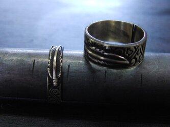 ミニフェザー彫模様真鍮ブラスリング・トゥリング 購入1点=指輪1本の販売 サイズ1号~15号の画像