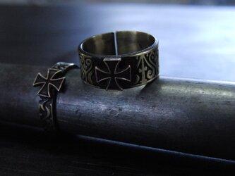 アイアンクロス彫模様真鍮ブラスリング・トゥリング 購入1点=指輪1本の販売 サイズ1号~15号の画像