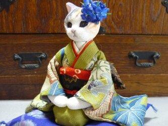 k様オーダー品 双子の振袖猫さん お姉さんの画像