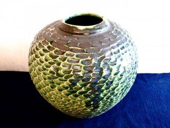 織部彫文壺の画像