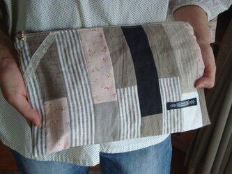 布を合わせたフラットポーチです。の画像