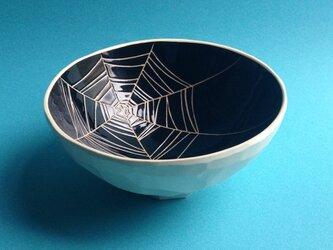 black bowl (spider web) 中の画像