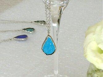 ステンドグラスのネックレス【ひとしずく】マリンブルーの画像