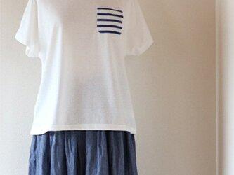 ボーダーポケットのドルマンTシャツ【ホワイト】の画像
