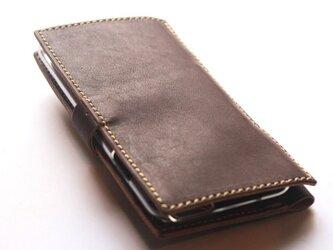 フリップ型のレザーiPhone6sケース。の画像
