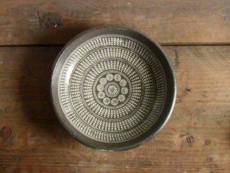 三島手象嵌深皿の画像