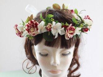 マーブル柄のスプレーバラとアジサイの花冠、ヘッドドレスの画像