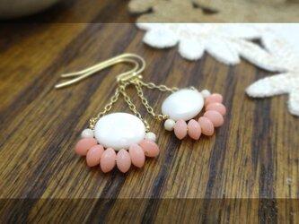ピンク色の珊瑚c pierce・earingの画像