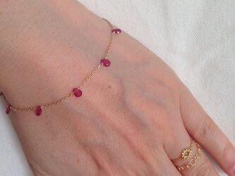 K10 baby ruby drop braceletの画像