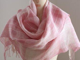 手織り ピンクの絹麻ストールの画像