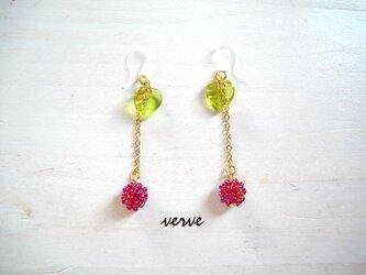 Flower child Berry pierce(樹脂ピアス)の画像