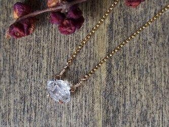 原石のハーキマーダイヤモンドのネックレスの画像