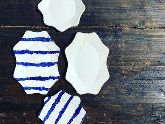 マットホワイト楕円リム皿の画像