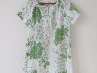 白地若草色浴衣のチュニックワンピースの画像