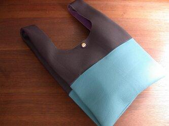 シュリンクレザーのお散歩バッグ..紫×水色 リバティポケット Betsy(ベッツイー)の画像