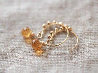 citrine gold dots hook earringsの画像