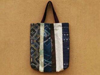 大島紬のパッチワーク手提げ袋の画像