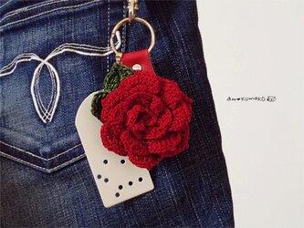 薔薇のキーホルダーの画像