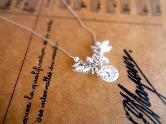 硝子の蜻蛉玉■水晶の鈴なりデザイン ネックレスの画像
