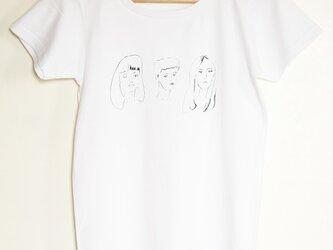 「GIRLS' POWER」Tシャツの画像