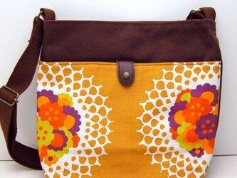 ヴィンテージファブリック x 帆布 レトロな斜め掛けショルダーバッグ(Flower Lace)の画像