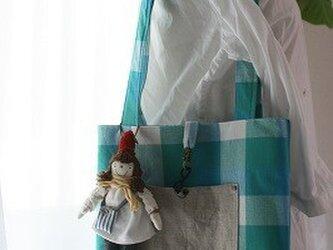 お人形付きBAG・ブルーチェック(赤帽子)の画像