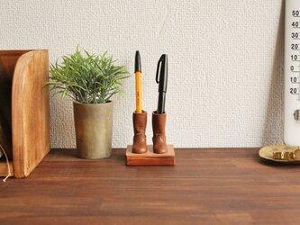 エンジニアブーツのペン立て 茶の画像