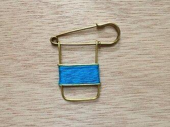 ブラスラインブローチ turquoise blueの画像
