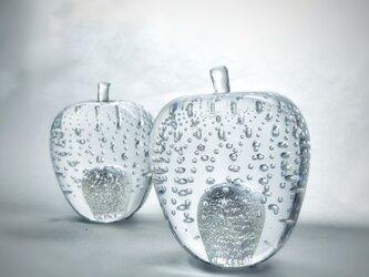 ガラスのリンゴ 「銀」の画像