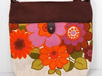 ヴィンテージファブリック x 帆布 レトロな斜め掛けショルダーバッグ(Girly Flower)の画像