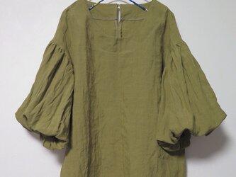ボリューム袖ブラウス(ドライオリーブ)の画像