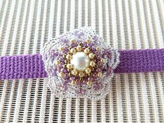 お花のビーズ帯留め 江戸紫の画像