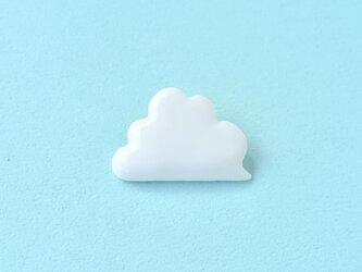 白磁のブローチ(雲)の画像